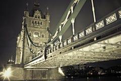 Kontrollturmbrücke London lizenzfreie stockfotografie