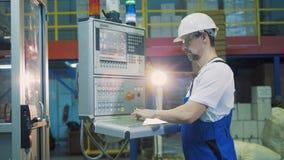 Kontrolna deska dostaje kierował męskim pracownikiem zbiory wideo