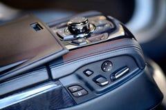Kontrolna jednostka z elektrycznym siedzenia dostosowaniem i stereo środków syst Zdjęcie Royalty Free