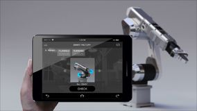 Kontrolny monitorowanie robota ręka w Mądrze fabryce UI Używać mądrze ochraniacza, pastylka Internet rzeczy 4th rewolucja przemys zbiory wideo