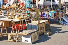 Kontuar w pchła ulicznym rynku w Ascona Obraz Stock