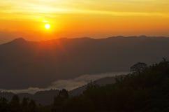 Kontur av berget Arkivbilder