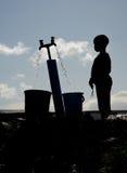 Kontur av den unga pojken i Langa Royaltyfri Fotografi