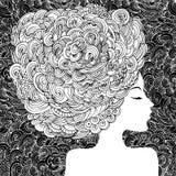 Kontur av en härlig kvinna med lockigt hår Abstrakt dekorativ modeillustration för monokrom Vektor för handteckningsklotter Royaltyfri Foto