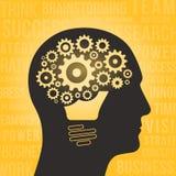 Kontur av ett mänskligt huvud med hjärnan, kugghjul och den ljusa kulan Arkivbild