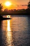 Kontur av mananseendet i mitt av solspåret Royaltyfri Fotografi
