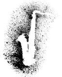 Kontur av saxofonen med grungesvartfärgstänk Royaltyfri Fotografi