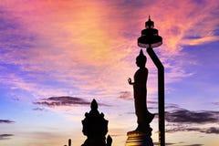 Kontur av stora buddha Royaltyfria Bilder