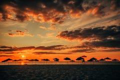 Kontur av strandparaplyer Royaltyfri Foto