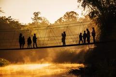 Kontur av turisten i morgontiden Arkivbilder