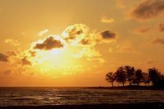 Kontur skönheten av naturen Soluppgång och solnedgång Royaltyfria Bilder