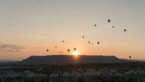 Konturer av ballonger för varm luft i Cappadocia, Turkiet Fotografering för Bildbyråer