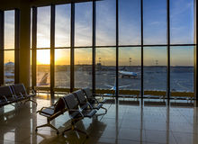 Konturer av inre i flygplatsen royaltyfria foton