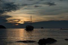 Kontursegelbåt Royaltyfria Bilder