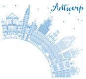 Konturu Antwerp linia horyzontu z Błękitną kopii przestrzenią i budynkami Fotografia Royalty Free