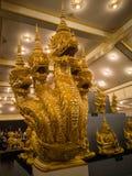 Konung av Nagas med statyn för 5 huvud Arkivbild