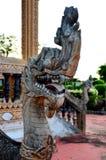 Konung av nagastatyn i thai tempel Fotografering för Bildbyråer