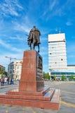 Konung Petar Karadjordjevic den första statyn på Zrenjanin, Serbien royaltyfri bild
