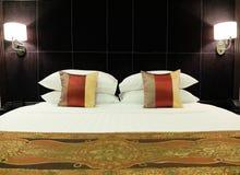 Konung Size Luxury Bed Arkivfoton