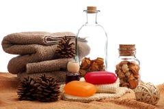 konusuje sosna umieszczających mydeł ręczniki fotografia royalty free