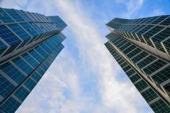 Konvergerande skyskrapor Arkivbild