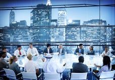 Konversation Team Working Concept för mötesrum för affärsfolk Arkivfoton