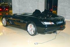 Konvertibla Mercedes-Benz i visningslokalen Royaltyfri Foto