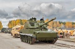 Konvoi von Militärtechniken. Russland Lizenzfreies Stockfoto