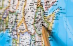 Konzentrieren Sie sich auf Äthiopien-Land auf der Weltkarte mit dem Bleistiftzeigen Stockbilder