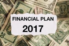 Konzentrieren Sie sich auf die Wörter 2017 auf Stück heftigem Weißbuch mit STUMPFEM Stockfoto