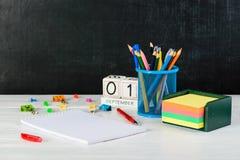 Konzept der Bildung, September erster oder zurück zu Schule w Lizenzfreies Stockfoto