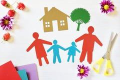 Konzept der glücklichen traditionellen Familie Lizenzfreie Stockfotos