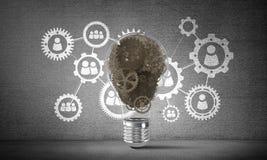 Konzept der Glühlampe als Symbol der neuen Idee Lizenzfreie Stockbilder
