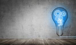 Konzept der Glühlampe als Symbol der neuen Idee Stockfotografie