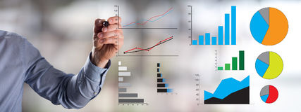 Konzept der grafischen Analyse gezeichnet von einem Mann Lizenzfreie Stockbilder