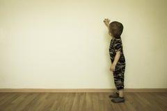 Konzept der Kreativität Das Kind stockbild