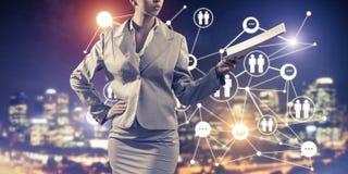 Konzept der modernen Geschäftsvernetzung, das anschließen und zusammenarbeiten Lizenzfreie Stockfotos