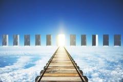 Konzept der rechten direkten Straße, zum der Tür zu öffnen Lizenzfreies Stockfoto