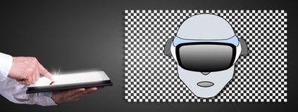 Konzept der virtuellen Realität mit dem Mann, der eine Tablette verwendet Stockbilder