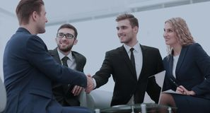 Konzept der Zuverlässigkeit der Partnerschaft und der Zusammenarbeit Geschäft stockbilder