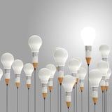 Konzept des Bleistifts 3d und der Glühlampe kreativ stock abbildung