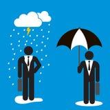 Konzept des Erfolgs und des Verlierers, dargestellt durch Regen und Regenschirm Lizenzfreie Abbildung