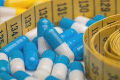 Konzept des Gewichtsverlusts, medizinische Pillen, Diät Stockbilder