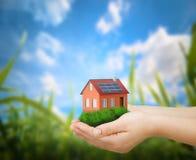 Konzept des grünen Hauses Lizenzfreies Stockbild
