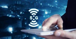 Konzept des Internets 5G und des Netzes Internet Lizenzfreies Stockfoto