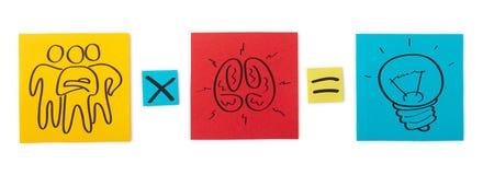Konzept des kreativen Teams. Blätter des farbigen Papiers. lizenzfreie stockfotos