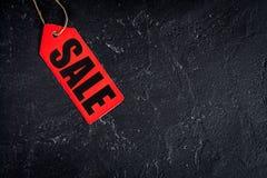 Konzept des Verkaufs auf Draufsicht des dunklen Hintergrundes Stockbilder