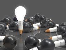 Konzept des Zeichnungsideen-Bleistifts und der Glühlampe kreativ und leadersh Stockfotografie