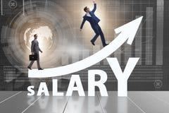 Konzept des zunehmenden Gehalts mit Geschäftsmann stockfotografie