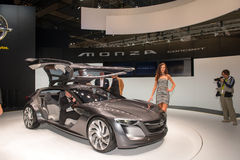 Konzept Opels Monza - Weltpremiere Stockfotografie